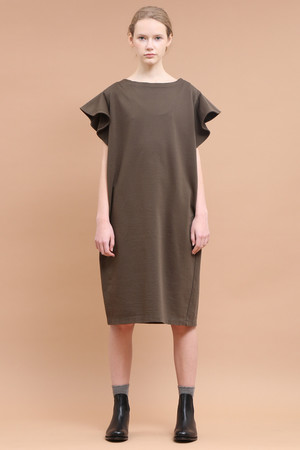 コンパクトフリースラッフルスリーブドレス サクラ/SACRA