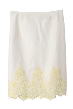 裾刺繍タイトスカート トランテアン ソン ドゥ モード/31 Sons de mode