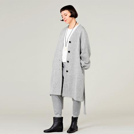 プレスがおすすめする【plainless】のコートをチェック!