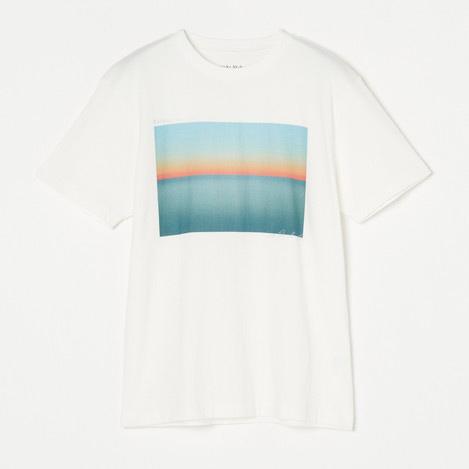夏のスタイルの主役 T-Shirt Collection