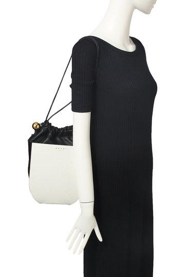 マルニ/MARNIのCOFFER 巾着ショルダーバッグ(ライムストーン×ポンペイ×ブラック/SBMP0021Q0 LV455)