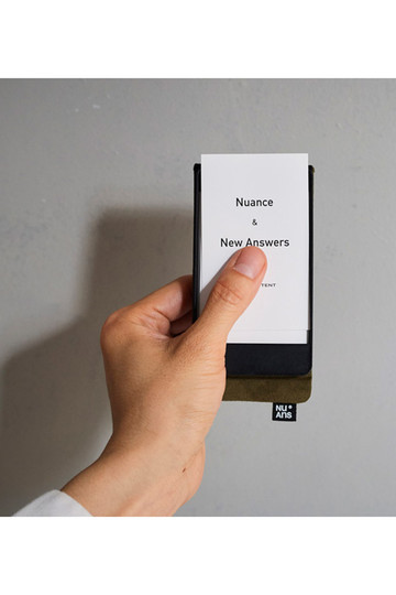 センプレ/SEMPREの【NuAns】FLIPHOLDER 名刺ケース(カーキ/457067)
