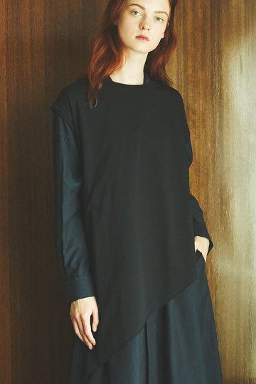 メゾン スペシャル/MAISON SPECIALのアシンメトリースリットTシャツ(BLK(ブラック)/21191415306)
